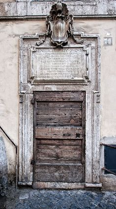 Old door in Rome #italy #rustic