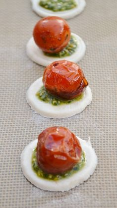 Making Balsamic Tomato & Pesto Canapés Catering Buffet, Catering Food, Catering Recipes, Cooking Recipes, Canapes Recipes, Recipes Appetizers And Snacks, Yummy Appetizers, Tapas, Cheese Dessert