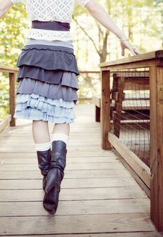 The Odelia Skirt - I keep eyeballing this skirt, maybe it is time with Fall coming around to whip one up for me!