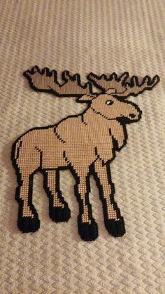 Moose Deer, Plastic Canvas Ornaments, Perler Beads, Cross Stitching, Reindeer, Free Crochet, Knitting Patterns, Wall Hangings, Bears