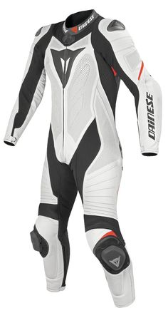 Dainese's Laguna Seca Pro Race Suit for Women show continuing a improvement every new season.Ergonomics takes a leap forward with new Microelastic inserts at the legs, back, and elbows, as well as biaxial stretch on the back for unparalleled mobility in the saddle, even during the most hectic riding on track. And Sisters, the new design of the chest is more comfortable. The aerodynamic hump reduces turbulence and drag.