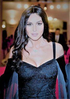 Monica Bellucci, Italian Women, Italian Beauty, Classy People, Bond Girls, Italian Actress, Hottest Models, Beautiful Actresses, Most Beautiful Women