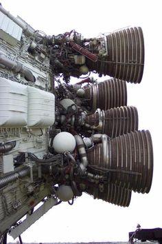 rocket_park_saturn Nozzle and fan of saturn rocket engine, power, engineering Rocket Engine, Jet Engine, Spaceship Design, Spaceship Concept, Photo Voyage, Aerospace Engineering, Power Engineering, Arte Cyberpunk, Ex Machina