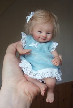 Tiny human-like baby dolls from the artist Kim van de Wetering