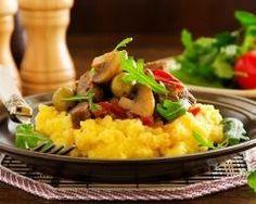 Polenta au bœuf, champignons et olives : http://www.cuisineaz.com/recettes/polenta-au-boeuf-champignons-et-olives-79846.aspx