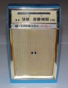 Vintage Linmark Radio, Model Made in Japan. Vintage Classics, Retro Vintage, Tvs, Phone Sounds, World Radio, Pocket Radio, Retro Clock, Vintage Television, Retro Radios