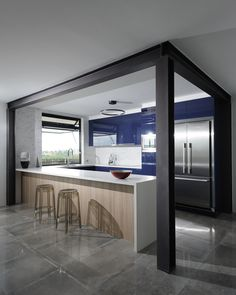 Q Kitchens Brisbane creating an stunning kitchen using polytec Natural Oak Ravine