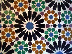 Alhambra. Granada Spain. Moorish Architecture. (1333–1353) Islamic Art Pattern, Arabic Pattern, Pattern Art, Alhambra Spain, Granada Spain, Middle East Culture, Mosaic Patterns, Geometric Patterns, Moorish