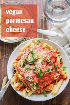 Do your next pasta night right, and whip up a batch of this homemade vegan Parmesan cheese. All you need are 5 ingredients and 5 minutes! You'd never guess this easy cashew-based cheese was dairy-free! Best Vegan Cheese, Vegan Cheese Recipes, Vegan Parmesan Cheese, Vegan Recipes Videos, Delicious Vegan Recipes, Raw Food Recipes, Vegetarian Recipes, Dinner Recipes, Healthy Recipes