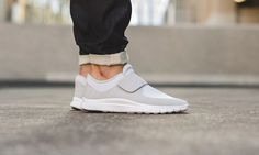 15d3c63806a63 Nike Free Socfly Pure Platinum Baskets Blanches