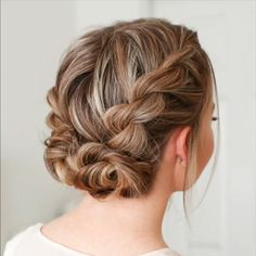 Now you know how to weave a Dutch braid. On its basis you can independently make different hairstyles. The braid itself can be braided in the center sideways diagonally with a snake around the head weave a ribbon or bows of hair. - August 11 2019 at Hair Upstyles, Different Hairstyles, Weave Hairstyles, Prom Hairstyles, Cute Short Hairstyles, Easy Work Hairstyles, School Hairstyles, Braided Hairstyles For Short Hair, Simple Hairstyles For Medium Hair