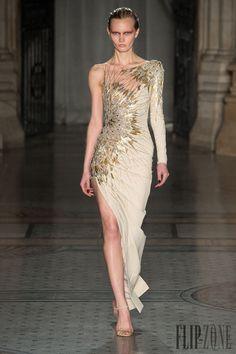 Julien Macdonald, Fashion Art, Runway Fashion, Fashion Show, Fashion Design, Net Fashion, Fashion Images, London Fashion Weeks, Beautiful Gowns