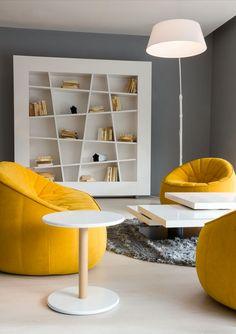 Librero minimalista. Para organizar por tamaños :D