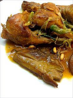 CONEJO EN SALSA DE SETAS Y PIÑONES  http://lasrecetasdemisamigas.blogspot.com.es/2013/05/conejo-en-salsa-de-setas-y-pinones.html