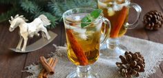 Toast to the #holidays with a special #homemade whiskey infusion. Loaded with essential spices of the season. #holidaydrink #holidaycocktail #whiskey #whisky #infusion #whiskeyinfusion #whiskeyinfusion #infusedwhiskey #infusedwhisky #eatclean #eatingclean #cleaneating #toscareno #cheers #happyholidays #nye #newyearsdrink #holidayspice