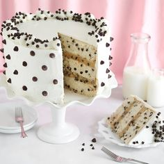 Chocolate Chip Cookies and Milk Cake