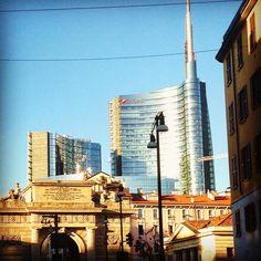 """You are beautiful no matter what they say..."" (Cit.) #Milano #milan #milanodavedere #milanoiloveyou #portagaribaldi #bluesky #nuovoevecchio #architettura #italy #expo2015 by simona_reca"