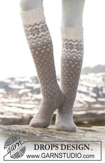 Socks & Slippers - Free knitting patterns and crochet patterns by DROPS Design Drops Design, Crochet Socks, Knitting Socks, Knit Crochet, Knitting Patterns Free, Free Knitting, Free Pattern, Crochet Patterns, Magazine Drops
