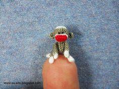 Super Tiny Sock Monkey~  This is amazing!