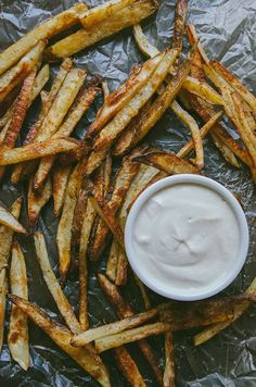 Crispy Old Bay French Fries With Sweet Onion Cashew Dip by @SoLetsHangOut // #frenchfries #oniondip #ghee #oldbay #paleo #primal #glutenfree #vegan #snack #fries #crispy #dip