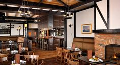 The Snug Pub | Victoria BC Bar | Oak Bay Beach Hotel