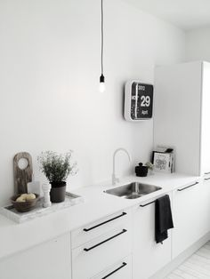 I'll take a white kitchen, yes please!