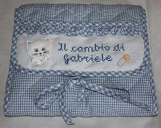 Buste per il corredino da ospedale (Foto 9/26) | PourFemme Crochet Bikini, Minnie Mouse, Diy And Crafts, Cross Stitch, Baby Shower, Embroidery, Sewing, Children, Baby Quilts