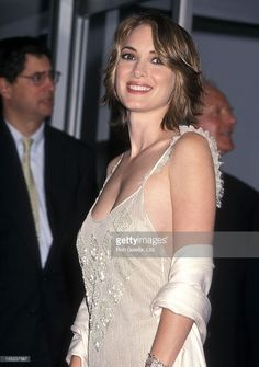Actress Winona Ryder receives a Hollywood Walk of Fame Star on October 2000 at 7018 Hollywood Boulevard in Hollywood, California. Get premium, high resolution news photos at Getty Images Young Celebrities, Hottest Female Celebrities, Beautiful Celebrities, Beautiful Actresses, Celebs, Beautiful Women, Winona Ryder, Salma Hayek Hair, Eva Mendes Dress
