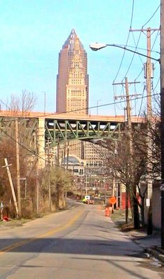 Cleveland Flats..west side bridge ave? down by the sign supply shop