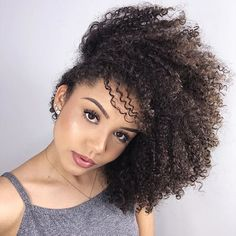 Ana Lídia Lopes - YouTuber Curly Hair Styles, Natural Hair Styles, Hair Photo, Crochet Hair Styles, Photo Tips, Natural Beauty, Curls, Hair Care, Beautiful Women