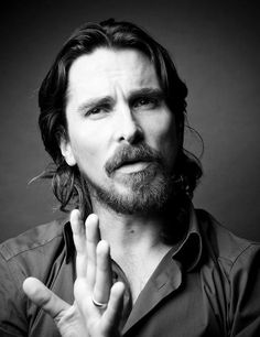Hola mi nombre es Christian Bale y mejoro con los años.