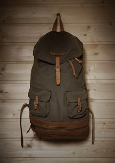 Folk Mountains Backpack. (Want!!!) http://folkmountains.tumblr.com/post/30616179108