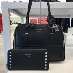 Guess  tassen en  accessoires bij  HermanSchoenen  DenHaag en online op   fbd5e129e3