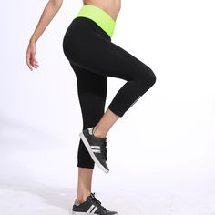 Capri d& de yoga, Women's Sports Leggings, Legging Sport, Gym Leggings, Sport Pants, Workout Leggings, Workout Pants, Leggings Are Not Pants, Capri Leggings, Blue Ripped Jeans Outfit