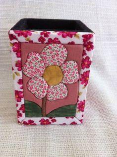 Porta-lápis flor