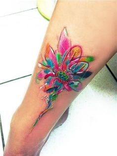 Groovy flower design - I bet the modern hippies out there would love this one too. #TattooModels #tattoo