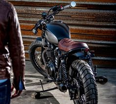 "Triumph Brat Style ""Black Baron"" by Macco Motors #motorcycles #bratstyle #motos | caferacerpasion.com"