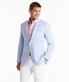Rock a light blue seersucker blazer with white chinos if you're going for a neat, stylish look. Seersucker Blazer, Coat Dress, Men Dress, Blazer En Cuir, Light Blue Blazers, Derby Attire, Blazer Outfits Men, Preppy Men, Mens Attire