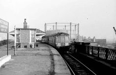 A recent program on my local television station (Notts Tv) suggested that Nottingham once had 26 railway stations so i did some research and. Old Pictures, Old Photos, Old Train Station, Disused Stations, Steam Railway, Good Old Times, British Rail, Electric Train, Local History