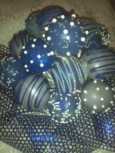Dallas Cowboy cake pops....also good idea to do with christmas ornament balls!
