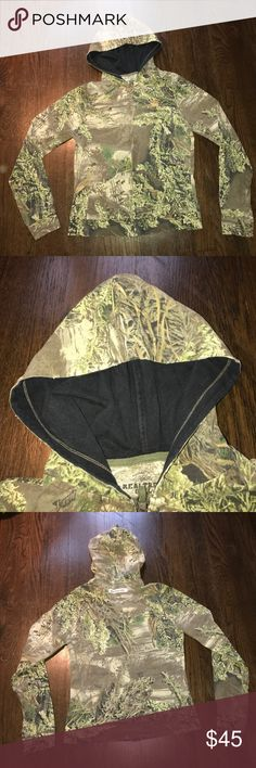 REALTREE GIRL Hoody Fun style. 100% cotton. All edges have been been purposely marked with tiny cuts in fabric to look vintage (see photo). Full zip. Two front pockets. EUC. REALTREE GIRL Tops Sweatshirts & Hoodies