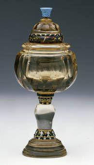 """""""Copa con una turquesa en el remate"""", Taller de los Miseroni, primer tercio del siglo XVII"""