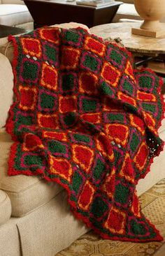 A cute red and green pattern that is fun for the Holidays! Free Crochet Pattern from Red Heart Yarns