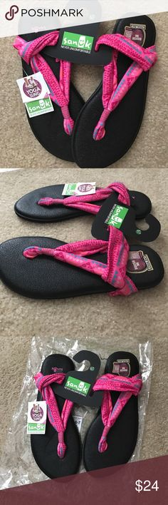 Sanuk Yoga Sling Sandal- Girls Your little ones feet will thank you when she slips on the squishest, most comfortable sandals ever. Details: Lightweight, Custom Printed with sling construction, Real Yoga may foot beds. Our closet guarantee: Pet/smoke free home Sanuk Shoes Sandals & Flip Flops