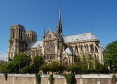 Notre-Dame de Paris (Gothic cathedral), south side, view from the Seine