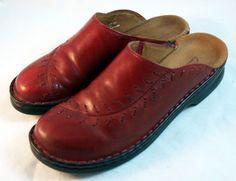 CLARK'S Shoes ~ Women's Brick Red Decorative Stitched Clogs ~ Size 8 M #Clarks #Clogs