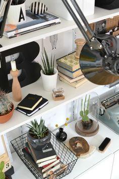 Urban Jungle Bloggers: My Plant Shelfie by @look33