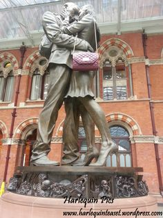French Kiss - statue at King's Cross Station, London