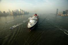 Queen Mary 2 Transatlantik- und Premierenkreuzfahrten 7-32 Nächte Mai 2015-Januar 2016  inkl. Flügen und Transfers ab € 1.430,-