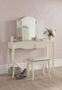 kleiner sekret r paris arbeitszimmer b ro schreibtische pinterest kleine schreibtische. Black Bedroom Furniture Sets. Home Design Ideas